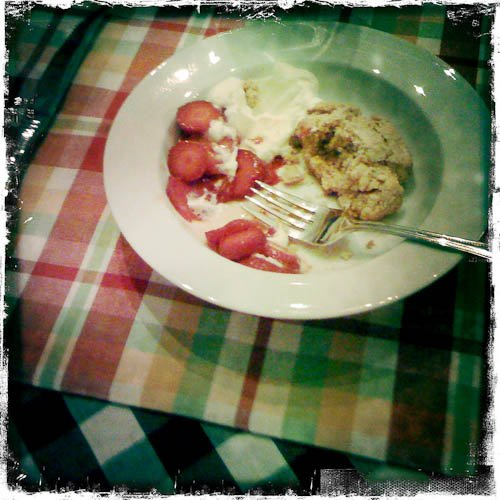 drop biscuits with strawberries and cream