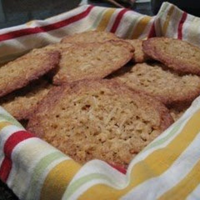 Thin and Crispy Oatmeal Coconut Cookies
